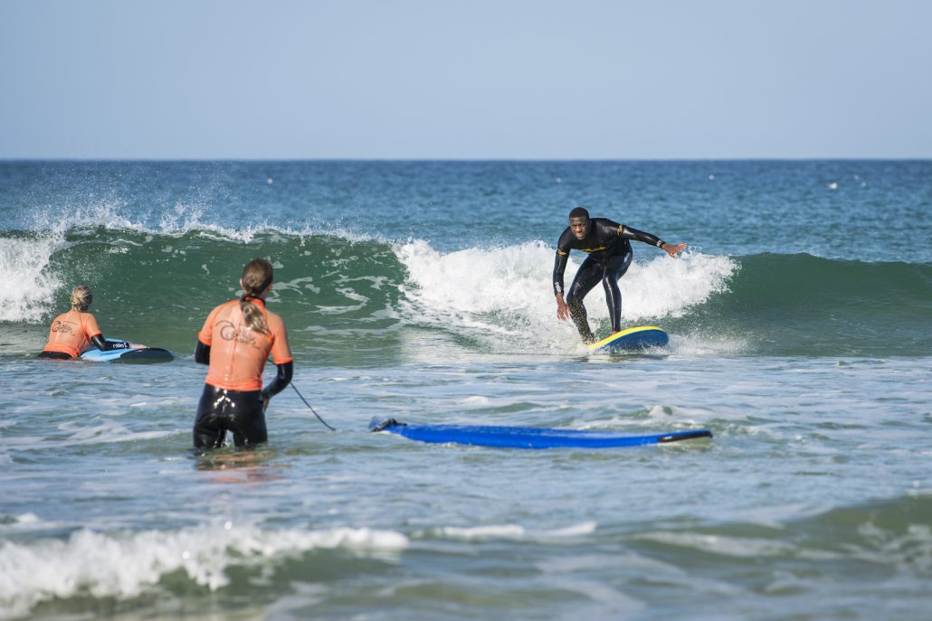 GROUP SURFING LESSONS NEWQUAY
