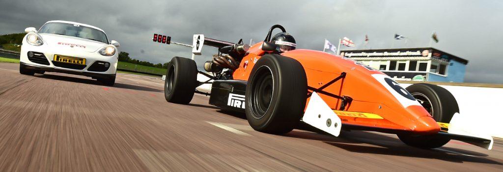 racing-car-driving-ex-fhug1